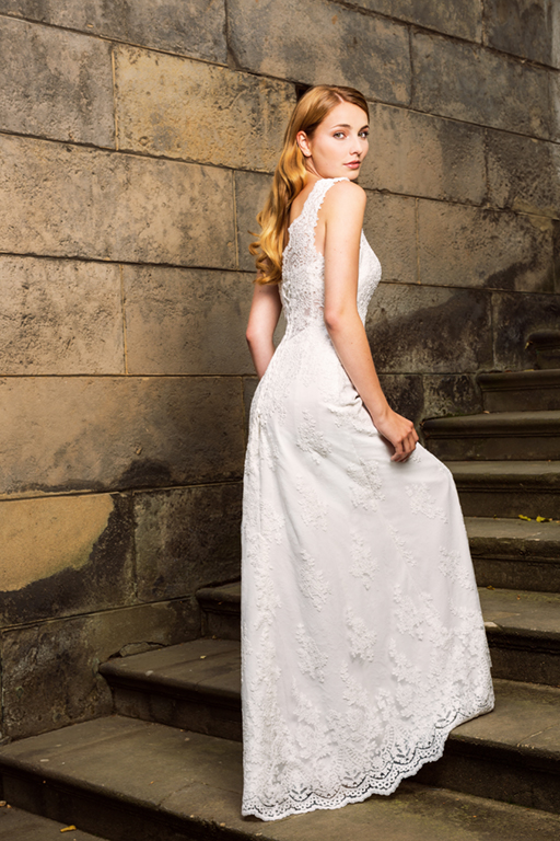 Myrelle Couture Marina Deynega Brautmode Hochzeit Abendmode Anzug Massgeschneidert Maj Garten 10