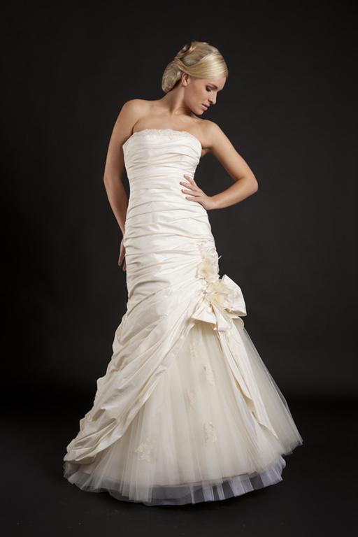 Myrelle Couture Marina Deynega Brautmode Hochzeit Abendmode Anzug Massgeschneidert Viktoria 03