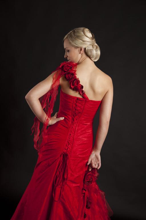 Myrelle Couture Marina Deynega Brautmode Hochzeit Abendmode Anzug Massgeschneidert Viktoria 28
