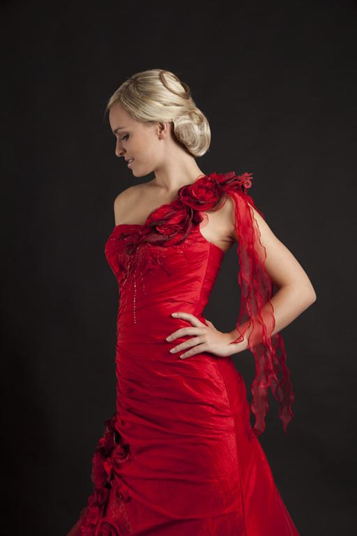 Myrelle Couture Marina Deynega Brautmode Hochzeit Abendmode Anzug Massgeschneidert Viktoria 29