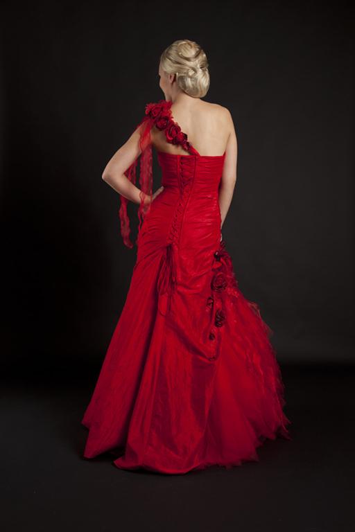 Myrelle Couture Marina Deynega Brautmode Hochzeit Abendmode Anzug Massgeschneidert Viktoria 31