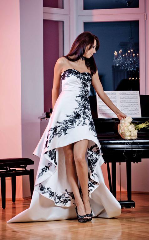 Myrelle Couture Marina Deynega Brautmode Hochzeit Anzug Massgeschneidert Anastasja Klavier 04