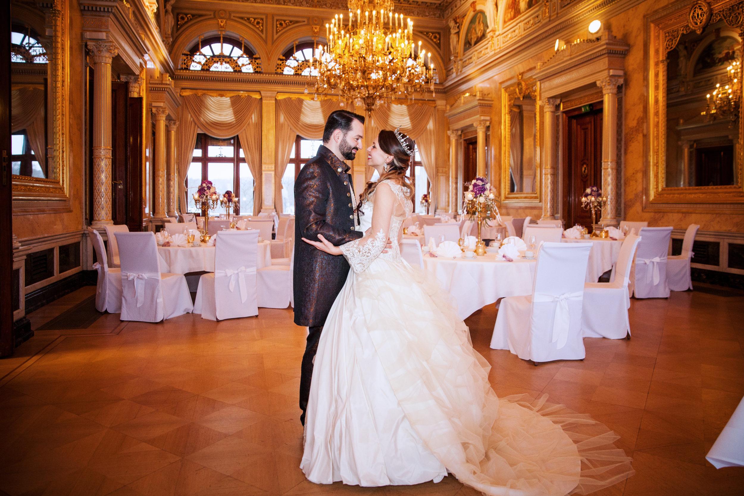 Myrelle Couture Marina Deynega Brautmode Hochzeit Anzug Massgeschneidert Royal Wedding Cm 071