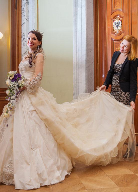 Myrelle Couture Marina Deynega Hochzeit Brautmode CM Royal Cut Story