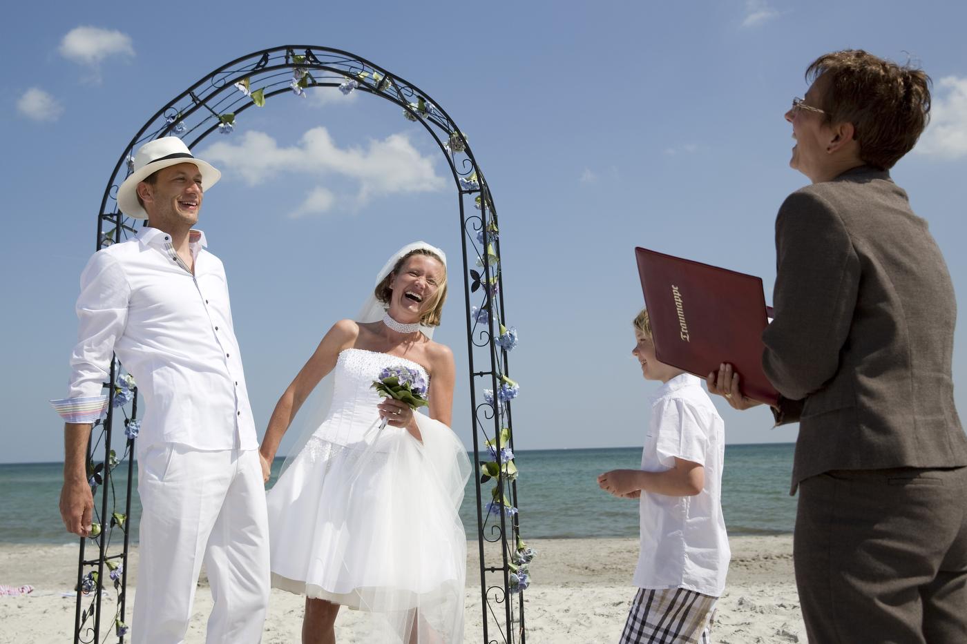 Myrelle Couture Marina Deynega Hochzeit Brautmode Kunden5 03