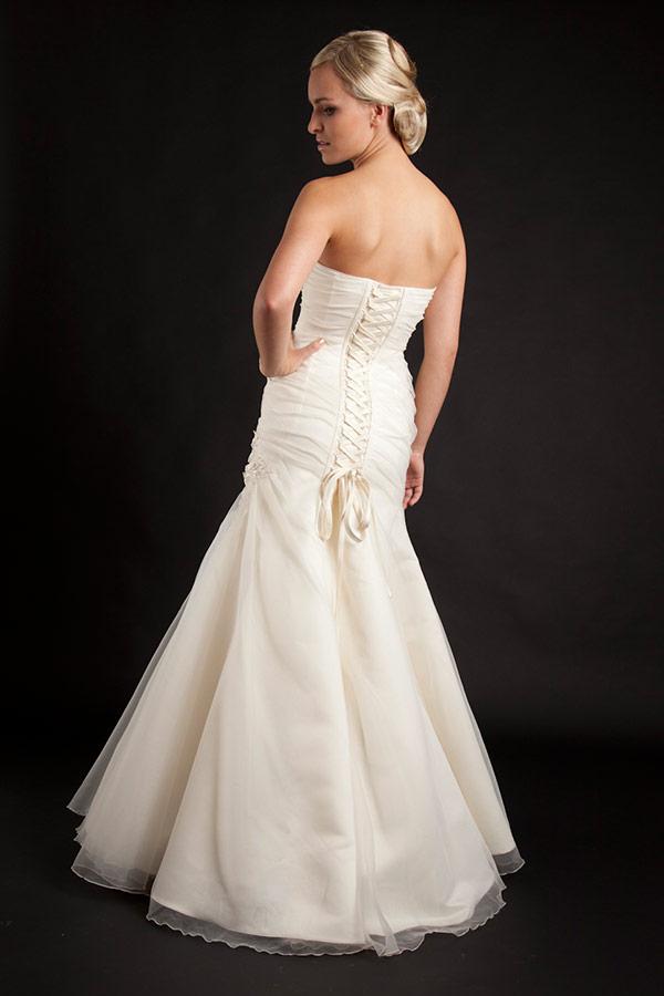 Myrelle Couture Marina Deynega Brautmode Hochzeit Abendmode Anzug Massgeschneidert Viktoria 24