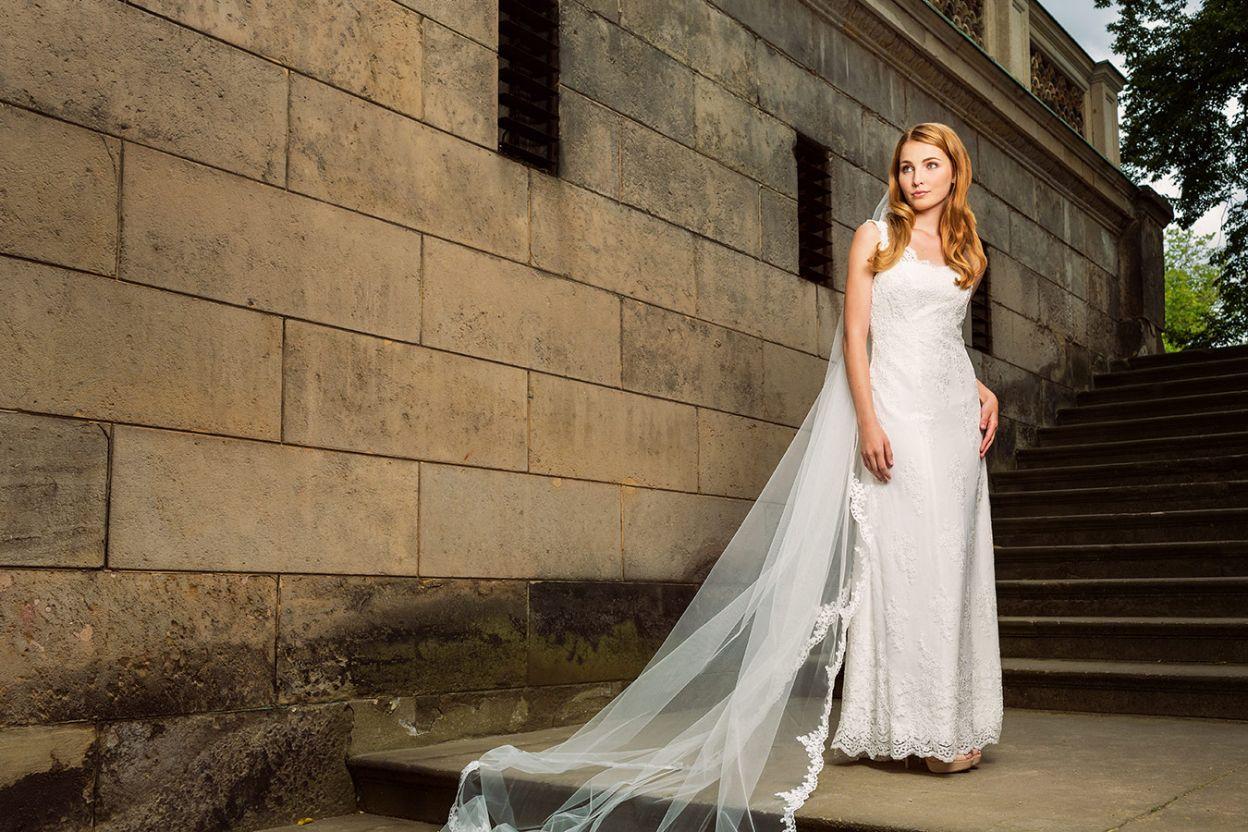 Myrelle Couture Marina Deynega Brautmode Hochzeit Anzug Massgeschneidert Maj Garten 116